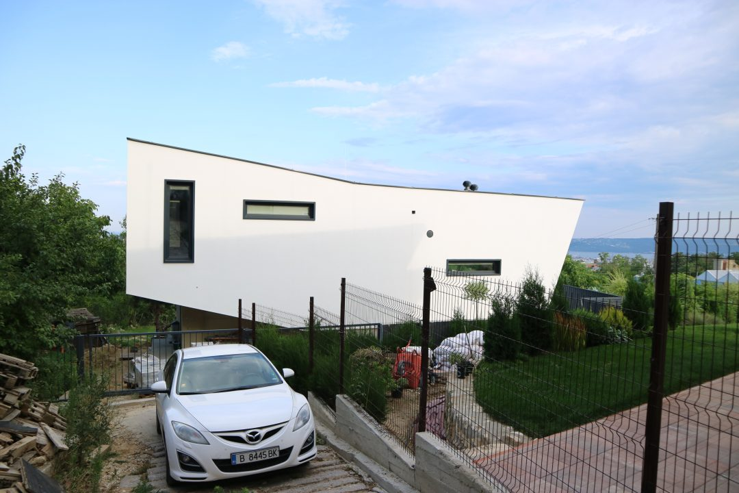 Къща EVN